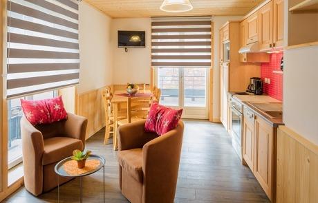 Salon et vue sur coin repas cuisine N°11 et 21 Résidence Les Tavaillons