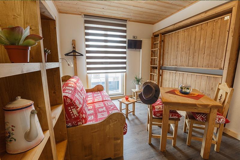 Studio canapé Rapido ou lits rabattables (sur le côté droit de la photo)N° 13 et 23 Résidence Les Tavaillons
